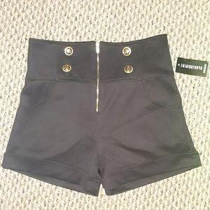 Black sailor shorts size medium